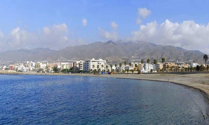 La villa costera de Adra, en Almería
