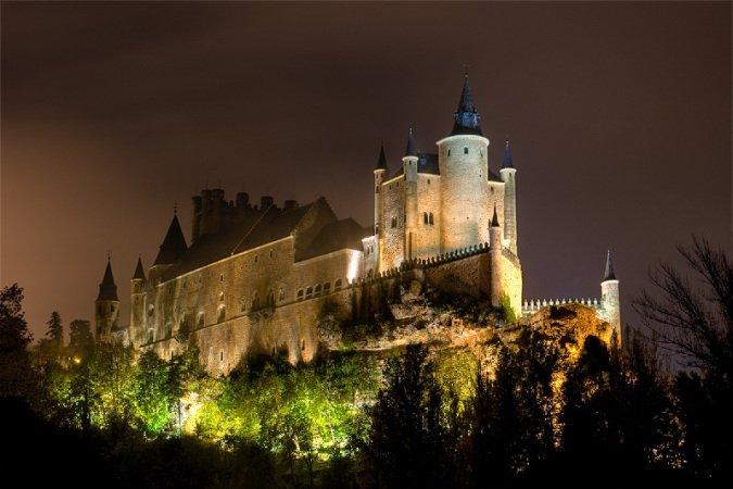 El Alcázar de Segovia por la noche