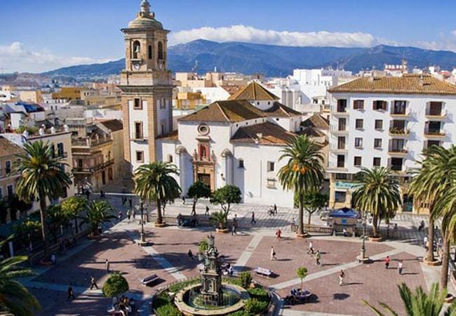 Déjate sorprender por Algeciras, una ciudad moderna y activa en Cádiz