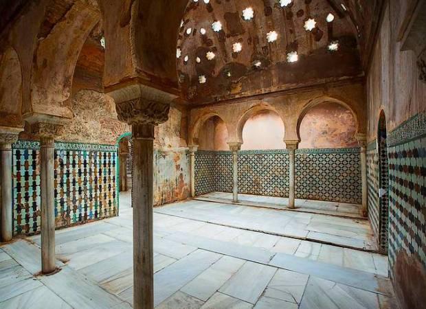 La Alhambra abre, temporalmente, el hammam del Palacio de Comares