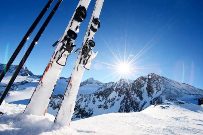 ¿Alquilar o comprar material de esquí? Ventajas y desventajas