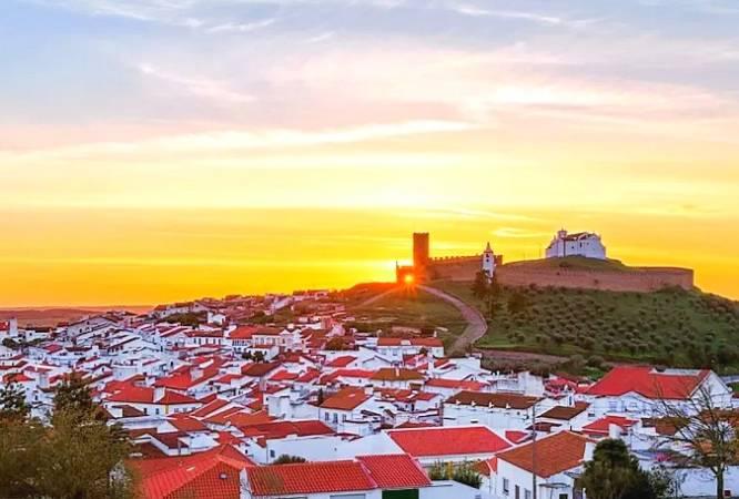 Arraiolos, el bello pueblo portugués de las alfombras