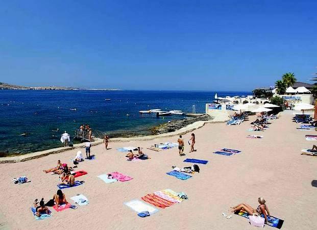 Bugibba Beach, en Bahía de San Pablo, Malta