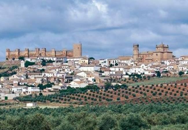 Ba os de la encina escapada a un castillo medieval en ja n - Castillo de banos de la encina ...