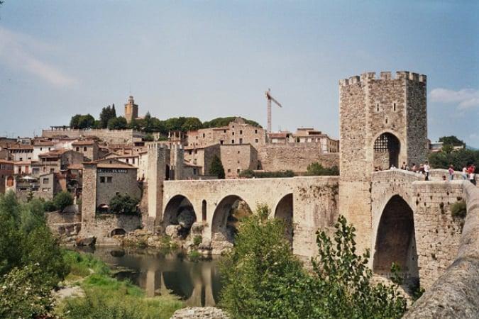 Besalú, un pueblo medieval en la provincia de Girona