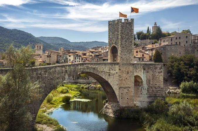 La villa medieval de Besalú, en Girona