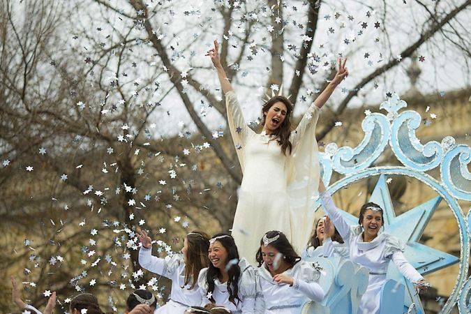 La Estrella de la Ilusión en la Cabalgata de los Reyes Magos de Sevilla