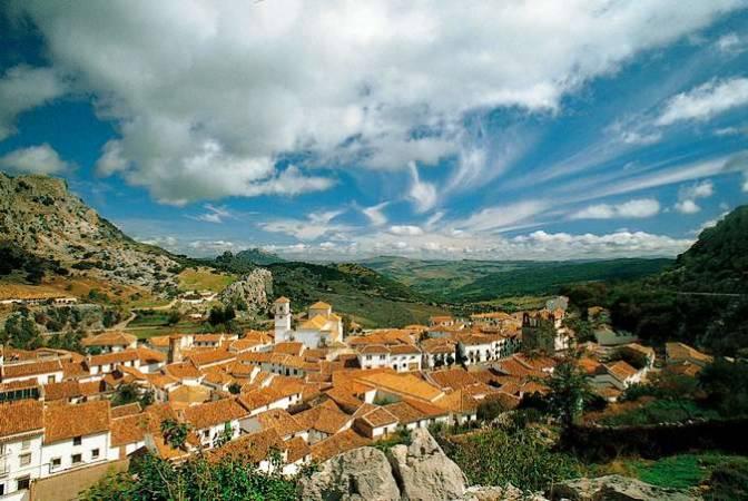 Pueblos blancos en la Sierra de Cádiz