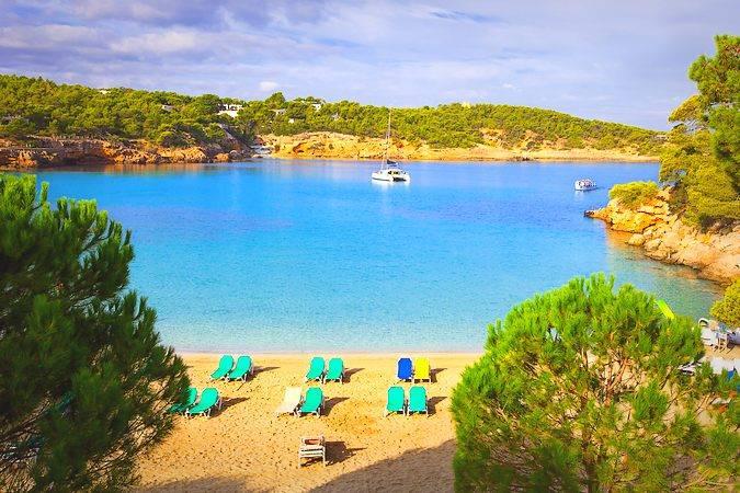 La Cala Portinatx, en la isla de Ibiza
