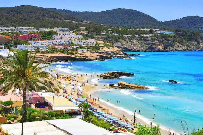 Cala Tarida, un destino muy familiar en Ibiza