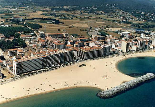 Calonge, destino de playa y villa medieval en la Costa Brava