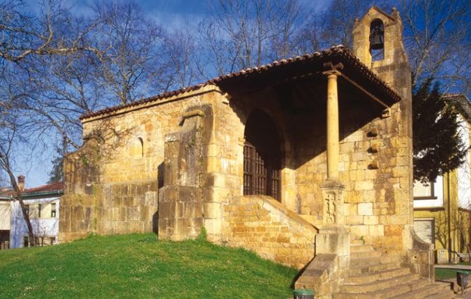 Ermita de Santa Cruz, en Cangas de Onís, Asturias