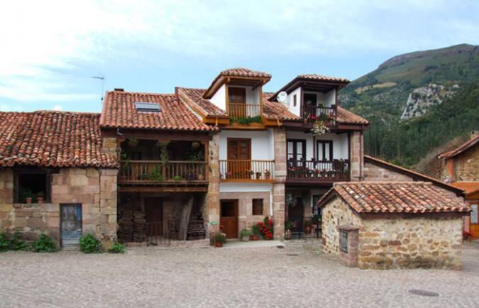 El bello pueblo de Carmona, en Cantabria