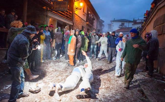Batalla de Harina en el Carnaval de Laza, en Ourense