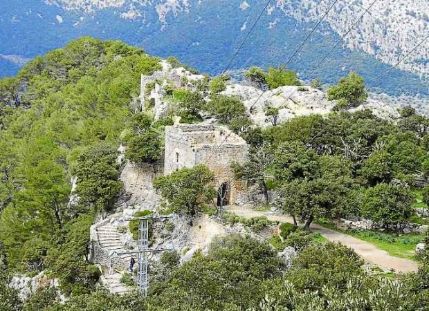 Pasar la noche en el Castillo de Alaró, en Mallorca