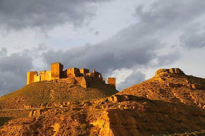 El Castillo de Montearagón, en la villa oscense de Quicena