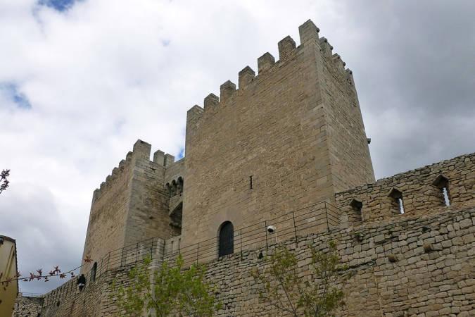 Puerta y torres de Sant Miquel