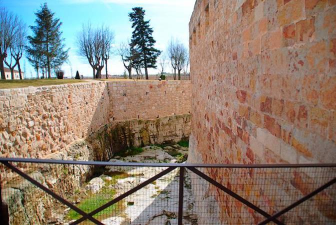 Foso del Castillo de Zamora
