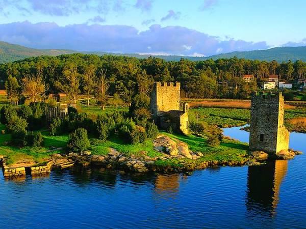 Torres del Oeste, en Catoira, Pontevedra
