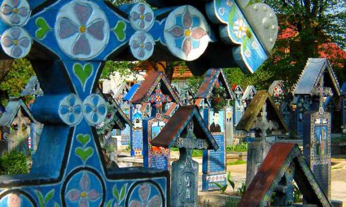Cementerio Alegre de Sapanta, en Rumanía