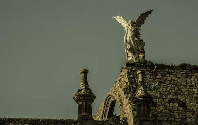 El Ángel Exterminador, en el Cementerio de Comillas, Cantabria