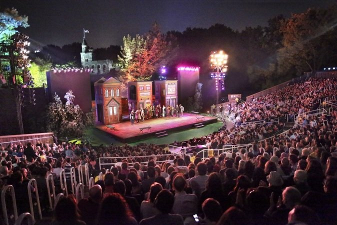 "Festival ""Shakespeare in the Park"" en Central Park, Nueva York"