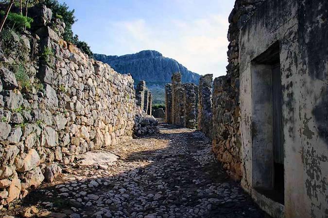 El Conjunto Arqueológico de Benaocaz, en Cádiz