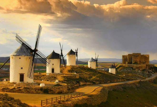 Descubre los molinos del Quijote en Consuegra, Toledo