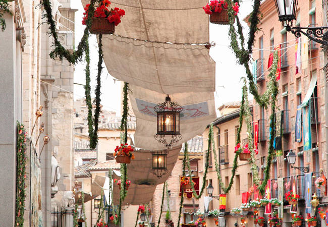 Las calles de Toledo en el Corpus