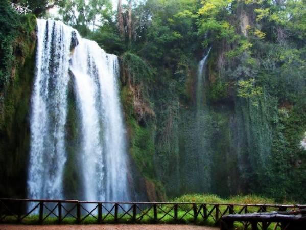 Cuatro espectaculares cascadas en España