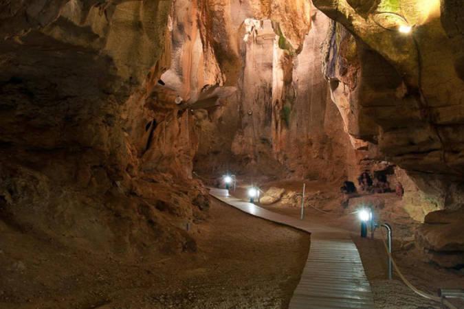La Cueva de las Calaveras en Benidoleig, Alicante