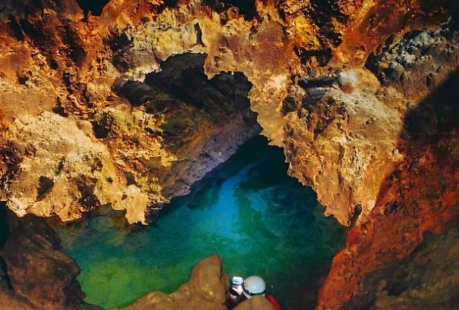 Lago en la Cueva del Yeso, en Baena, Córdoba