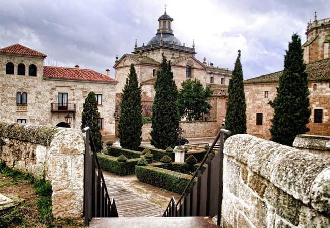 Descubre Ciudad Rodrigo: qué ver en la frontera con Portugal