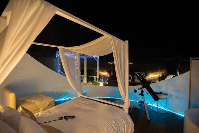 Dormir bajo las estrellas, un hotel con forma de burbuja