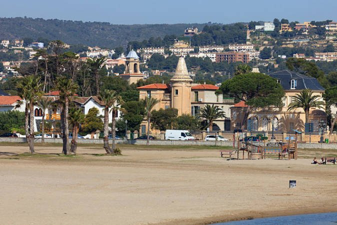 perfiles strippers pequeño en Tarragona