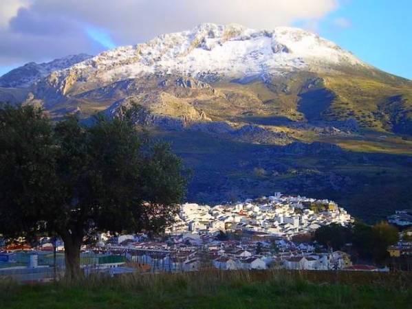 El pueblo blanco de El Burgo, en Málaga