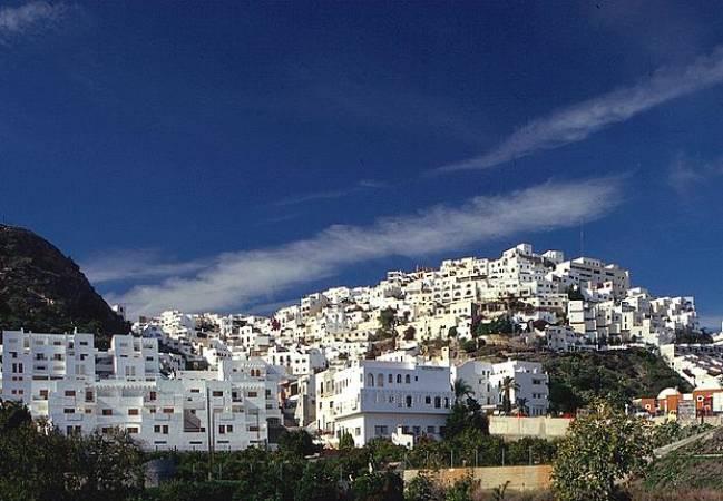 El eterno verano de Mojácar, en Almería