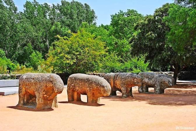 Los Toros de Guisando, en El Tiemblo, Ávila