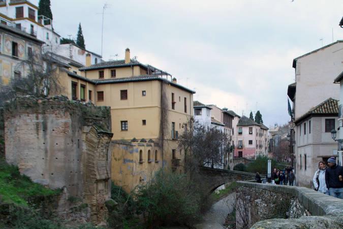 El embrujo de las calles de Granada