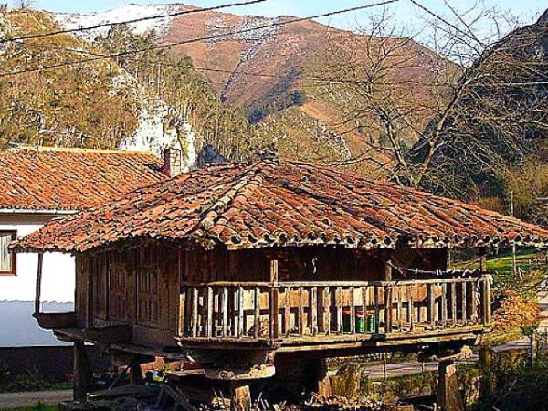 Panera en Espinaréu, en el concejo asturiano de Piloña
