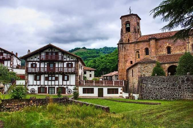 La villa pirenaica de Etxalar