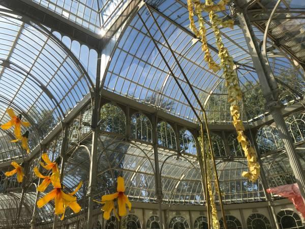 Flores gigantes en el Palacio de Cristal de Madrid