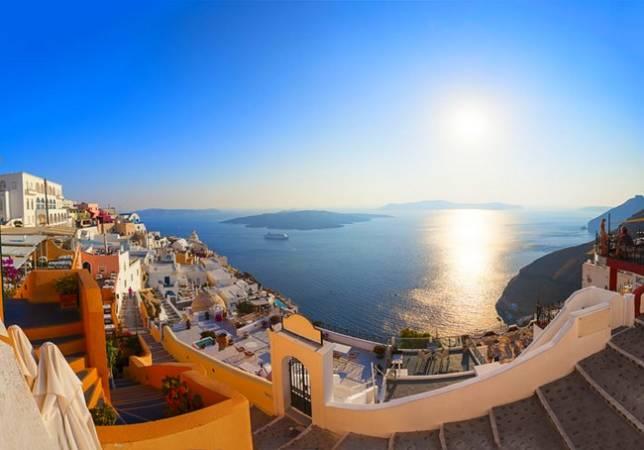 La localidad de Fira, en Santorini, Grecia