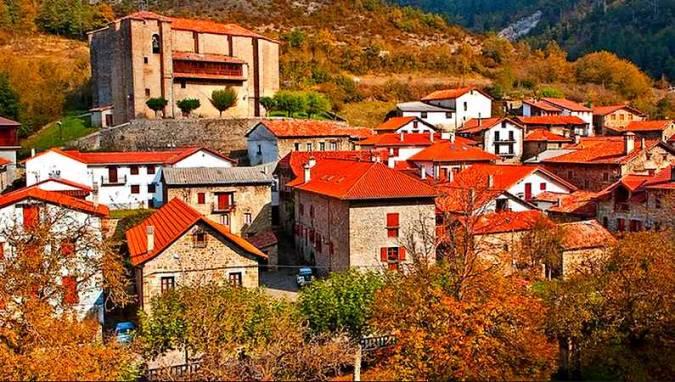 El pueblo de Garde, en el navarro Valle del Roncal