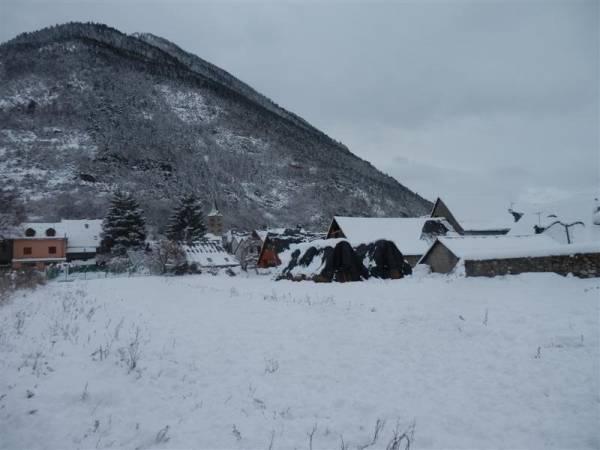 El pueblo leridano de Garós nevado