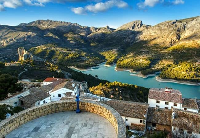 Si te gustan los museos, visita Guadalest en Alicante