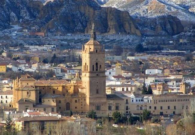 Guadix, la Capital Europea de las Cuevas en Granada