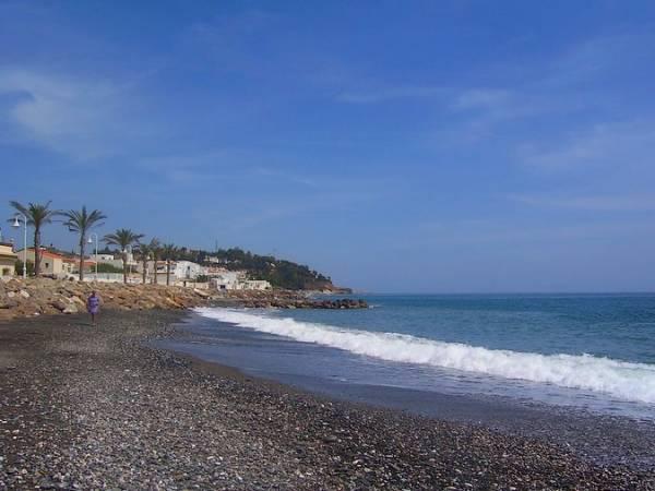 Playa de Mezquitilla, en Algarrobo, Málaga