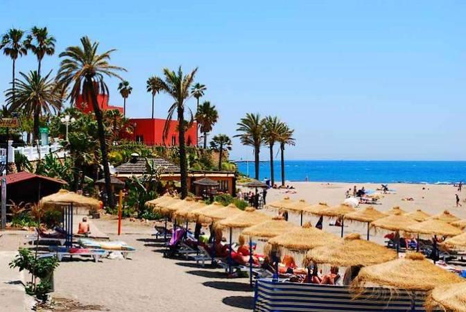 Playa Bil-Bil, en Benalmádena, Málaga