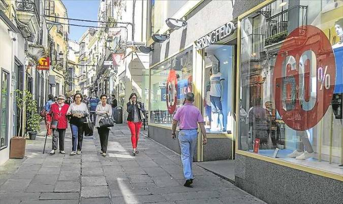La comercial calle Pintores, en Cáceres